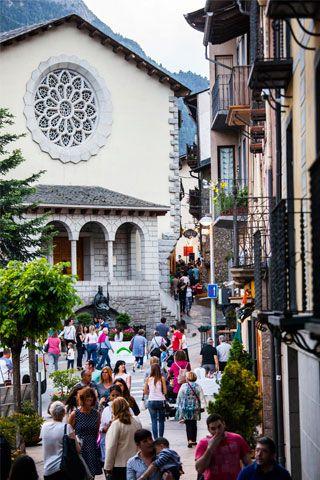 Els carrerons i les botigues més maques d'Andorra la Vella