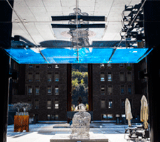 Sorprèn-te amb les escultures de l'interior de Prada Casadet